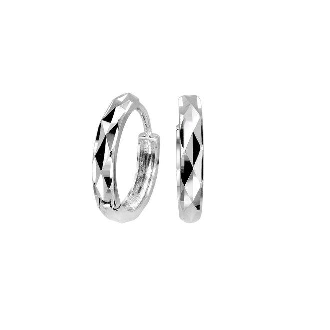 Boucles d'oreilles anneaux avec un fini coupe diamant - Or blanc 10K