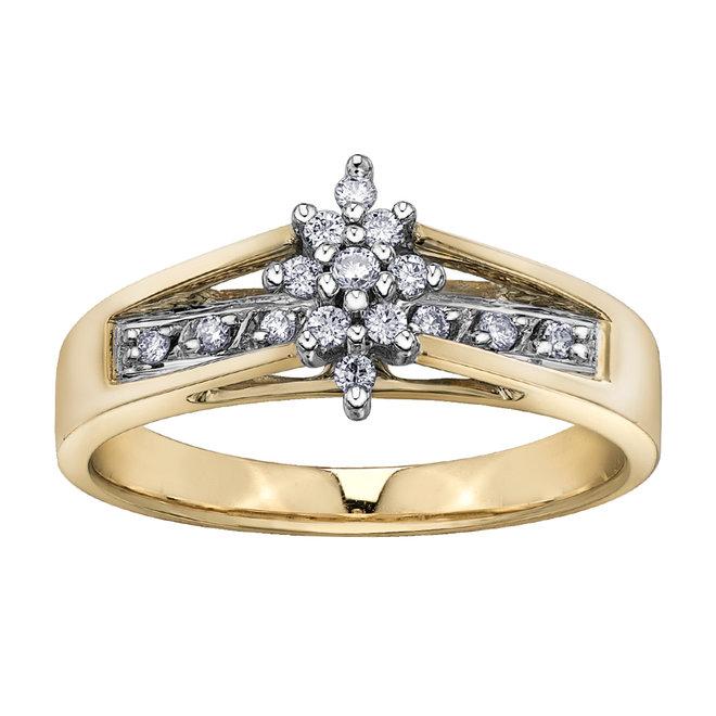 Engagement Ring - 10K yellow Gold & Diamond 0.15 Carat T.W.