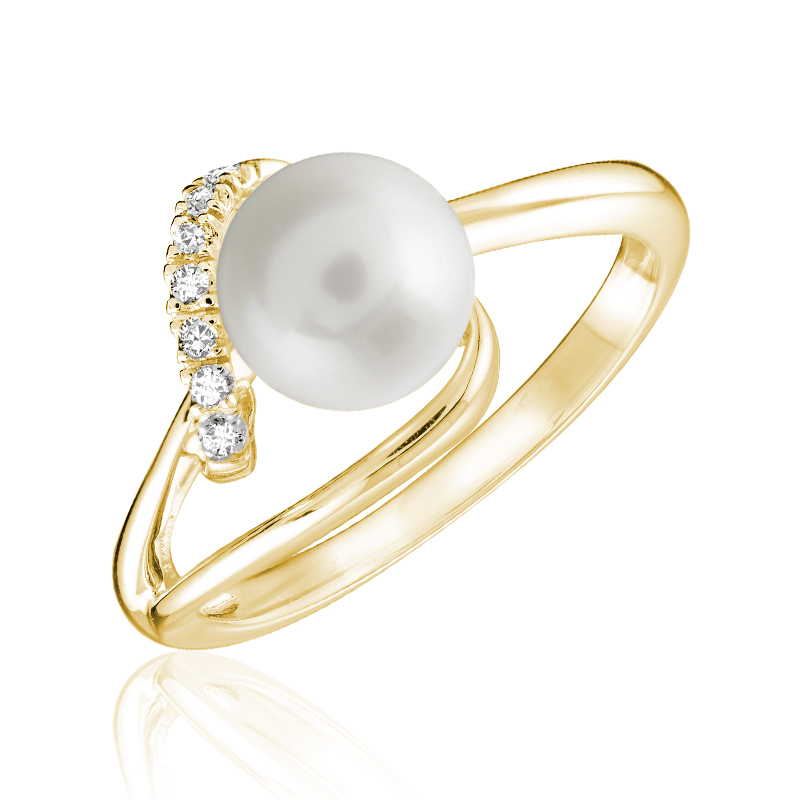Ring for woman - 10K yellow gold & Cultured pearl with diamonds T.W. 4 pts