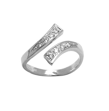 Sterling silver toe ring set with cubic zirconia
