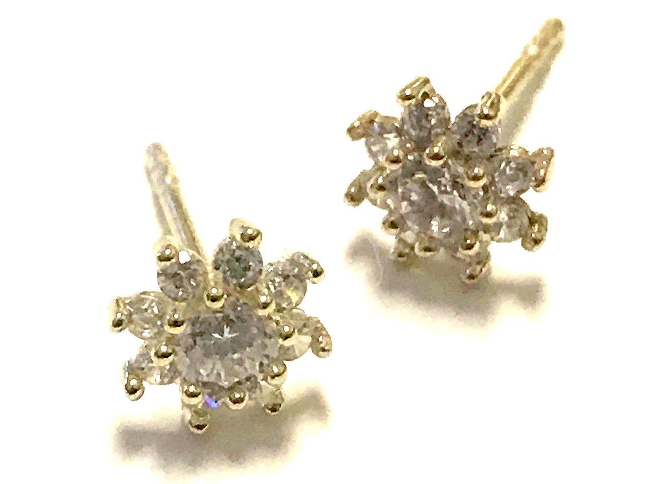 Boucles d'oreilles fleurs - Or jaune 10K & Zircons cubiques