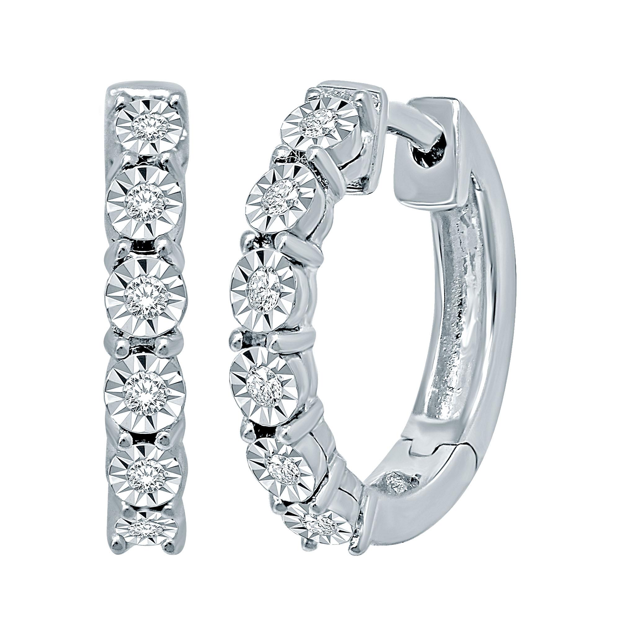 Boucles d'oreilles anneaux - Or blanc 10K & Diamants totalisant 0.10 carat