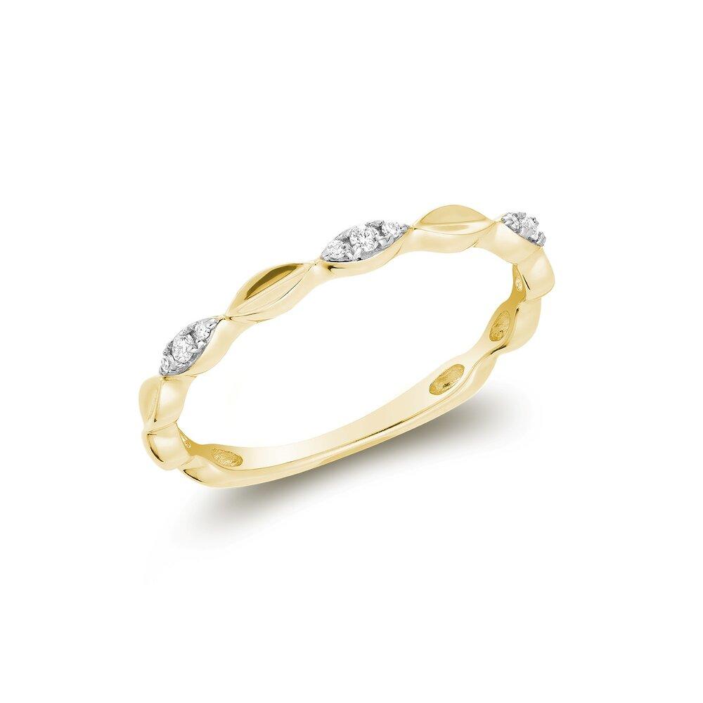 Bague pour femme en or jaune 10k & diamants totalisant 5pts.